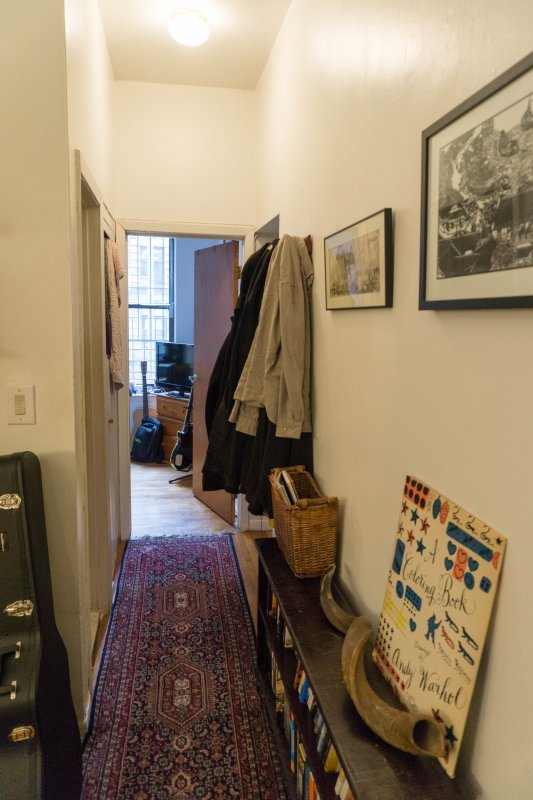 Roommate Wanted – E 10th St, East Village – $1650!